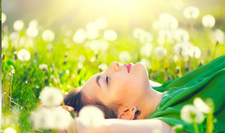 Quand le massage libère les hormones – Article paru dans Bio Contact (mai 2018)